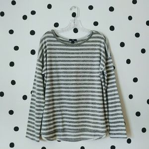 Gray white stripes long sleeves top